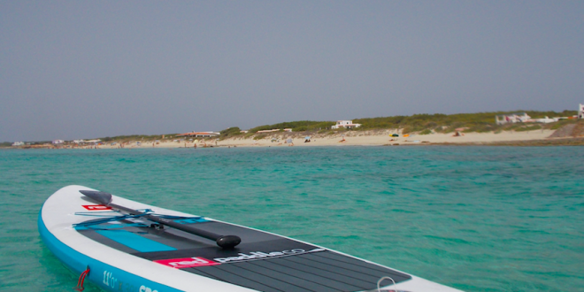 SUPCORNER – Exploring the island of Formentera with a SUP board